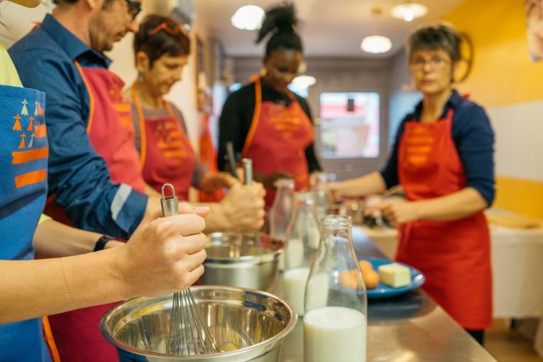 Préparez la pâte à crêpes froment durant votre atelier Découverte.